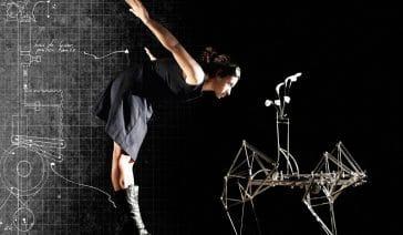 Je brasse de l'air performance mécanisée par Magali Rousseau