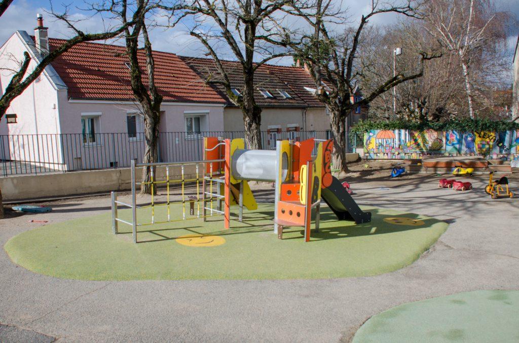 aire de jeux école Alexandre-Varenne récréation cour Bellerive-sur-Allier