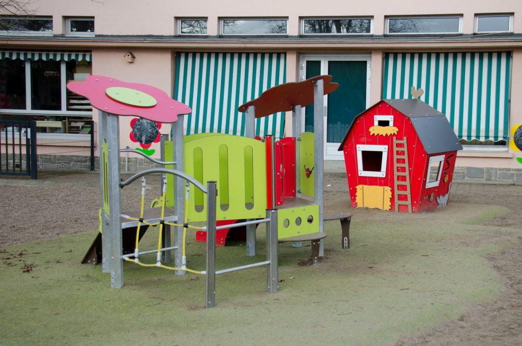 aire de jeux école Jean-Zay récréation cour Bellerive-sur-Allier